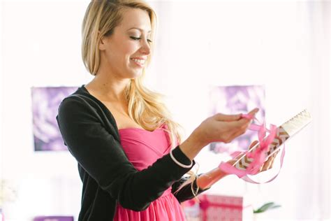 Do I Have to Bring a Hostess Gift? - Evite