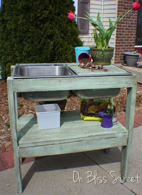 Ana White | garden potting stand - DIY Projects