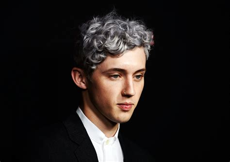 Hear Troye Sivan's Tender, Acoustic New Song 'The Good